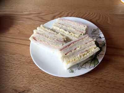 甘いマヨネーズを使ったサンドイッチ