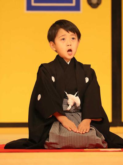 歌舞伎の練習をする姿がかわいい堀越勸玄